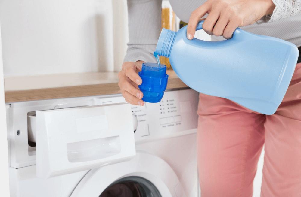 การเลือกใช้น้ำยาซักผ้า สูตรถนอมผ้า