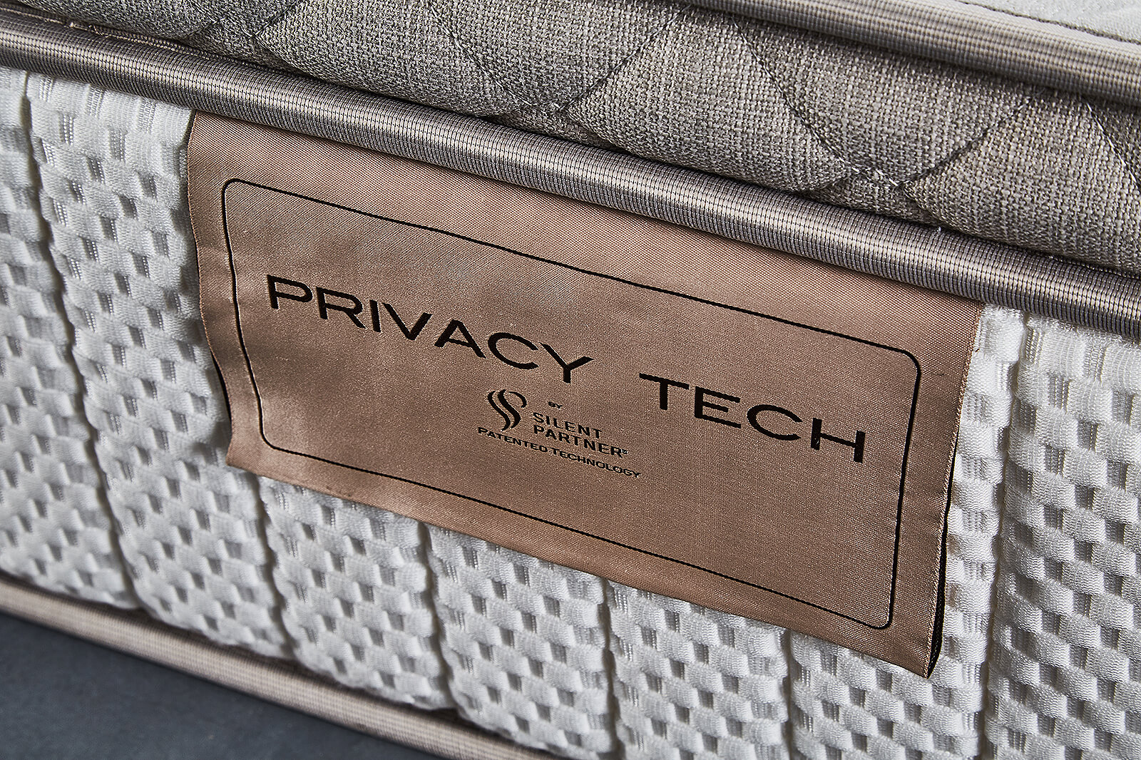 Lotus Mattress Privacy Tech - Encore
